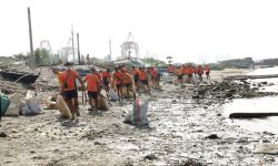 CLEANING 'BASECO BEACH'